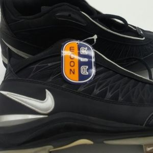 Nike Zoom Air Men's Baseball Cleats size 9.5 NWT